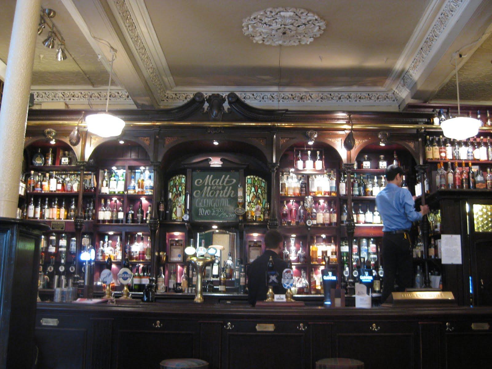 Glasgow y las mujeres que aman al whisky