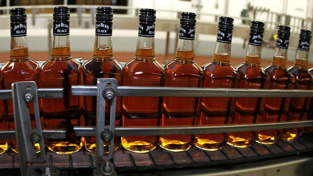 Suntory y Diageo van a la caza de Beam Global