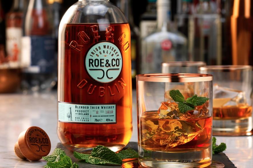 Diageo apuesta por el whisky irlandés con Roe&Co