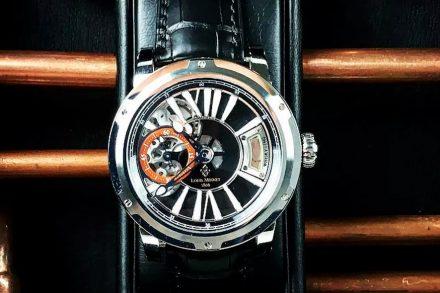 reloj con whisky