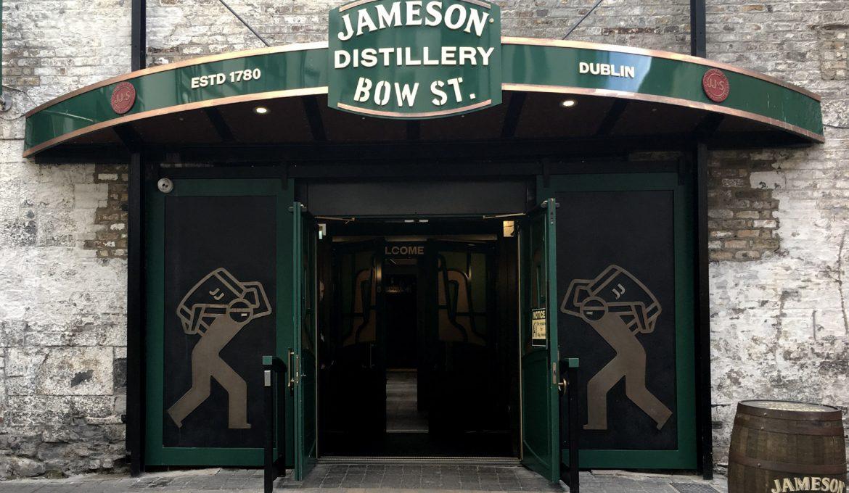 Visitar la antigua destilería de Jameson en Bow St.