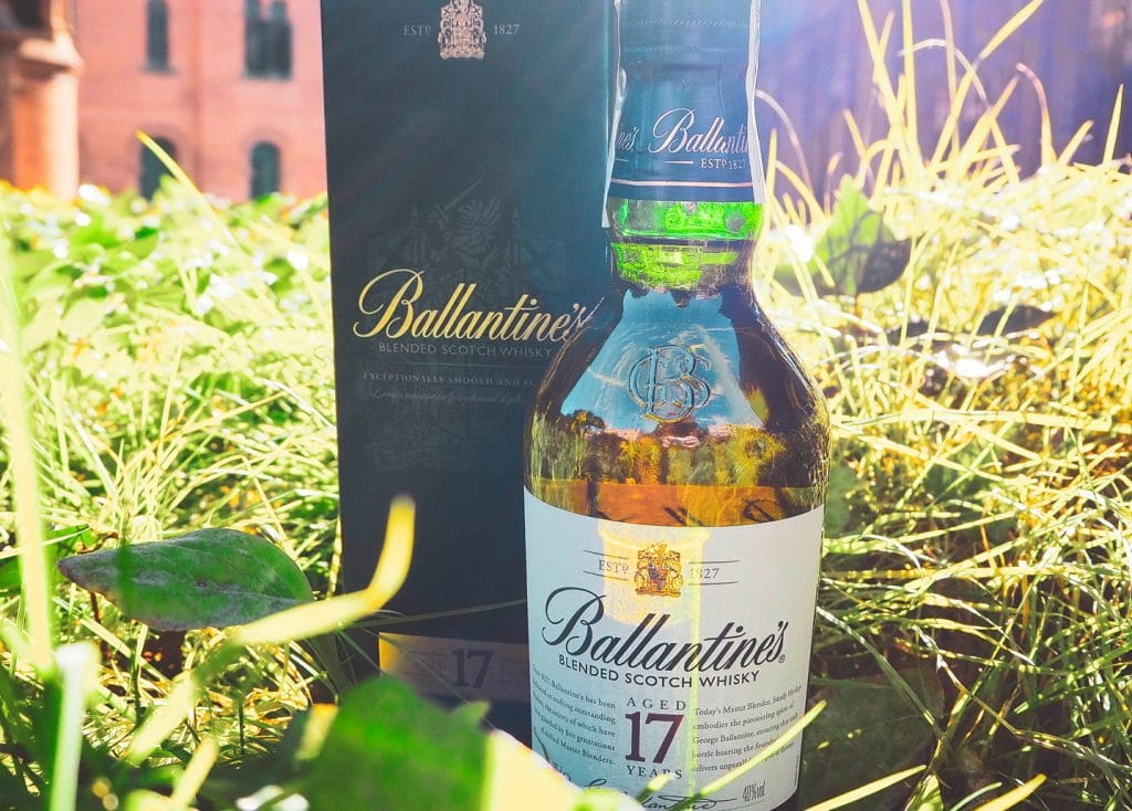 Ballantine's 17 - Todo Whisky